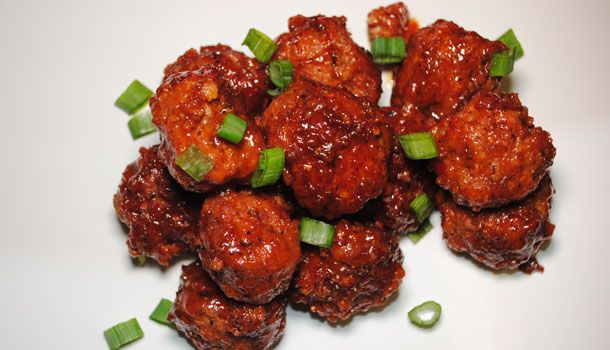 ORANGE CHICKEN MEATBALLS - Everyone loves a good cocktail meatball and sometimes the traditional BBQ meatballs needs a fresh makeover. Try this sweet, spicy and tangy meatball using blood orange juice to switch up your party appetizer menu. Sometimes a traditional dish needs a new twist to liven up your holiday party.