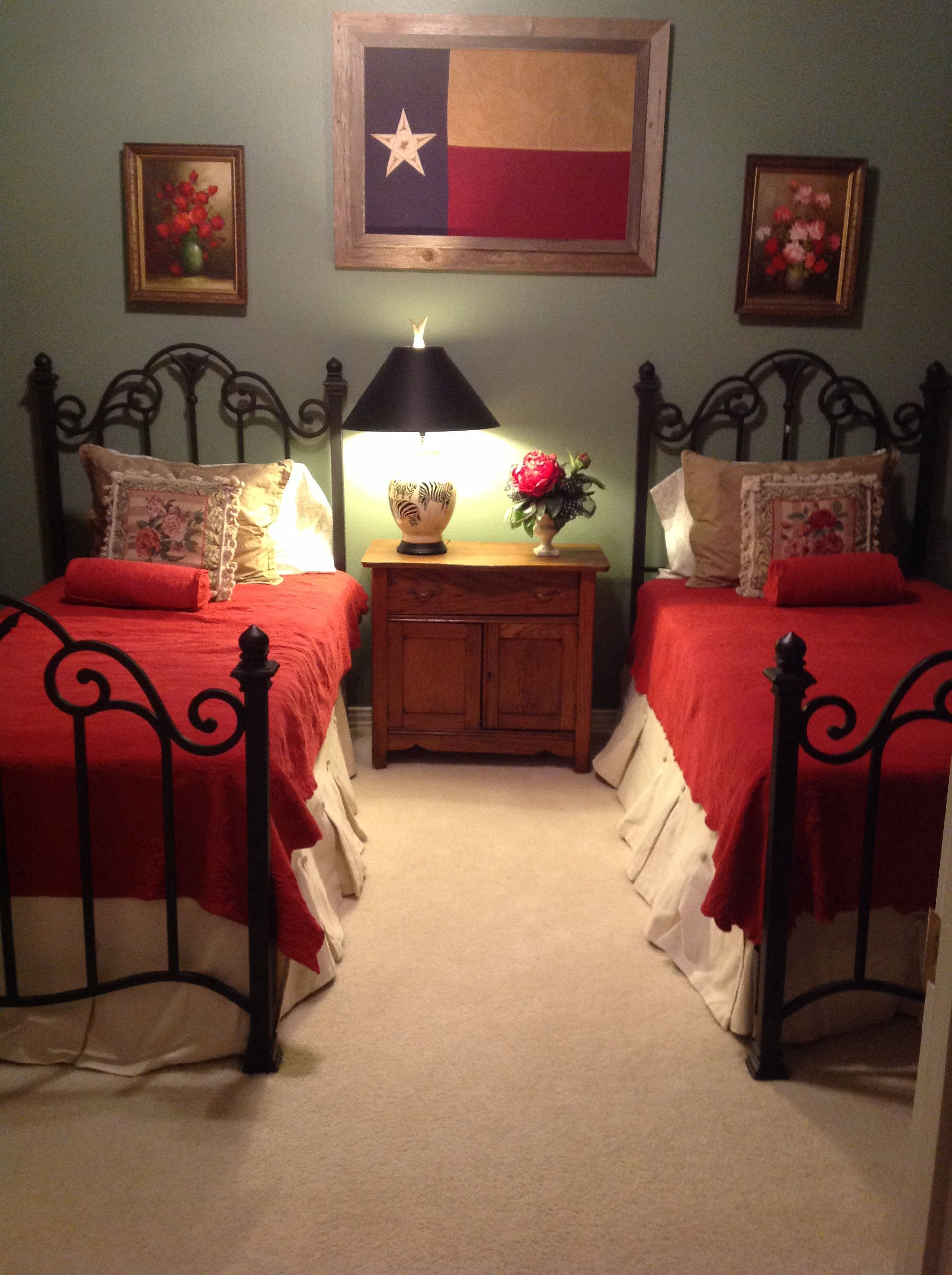 Twin Bed Bedroom Texas Flag Red Bedspreads Sage Walls Bed