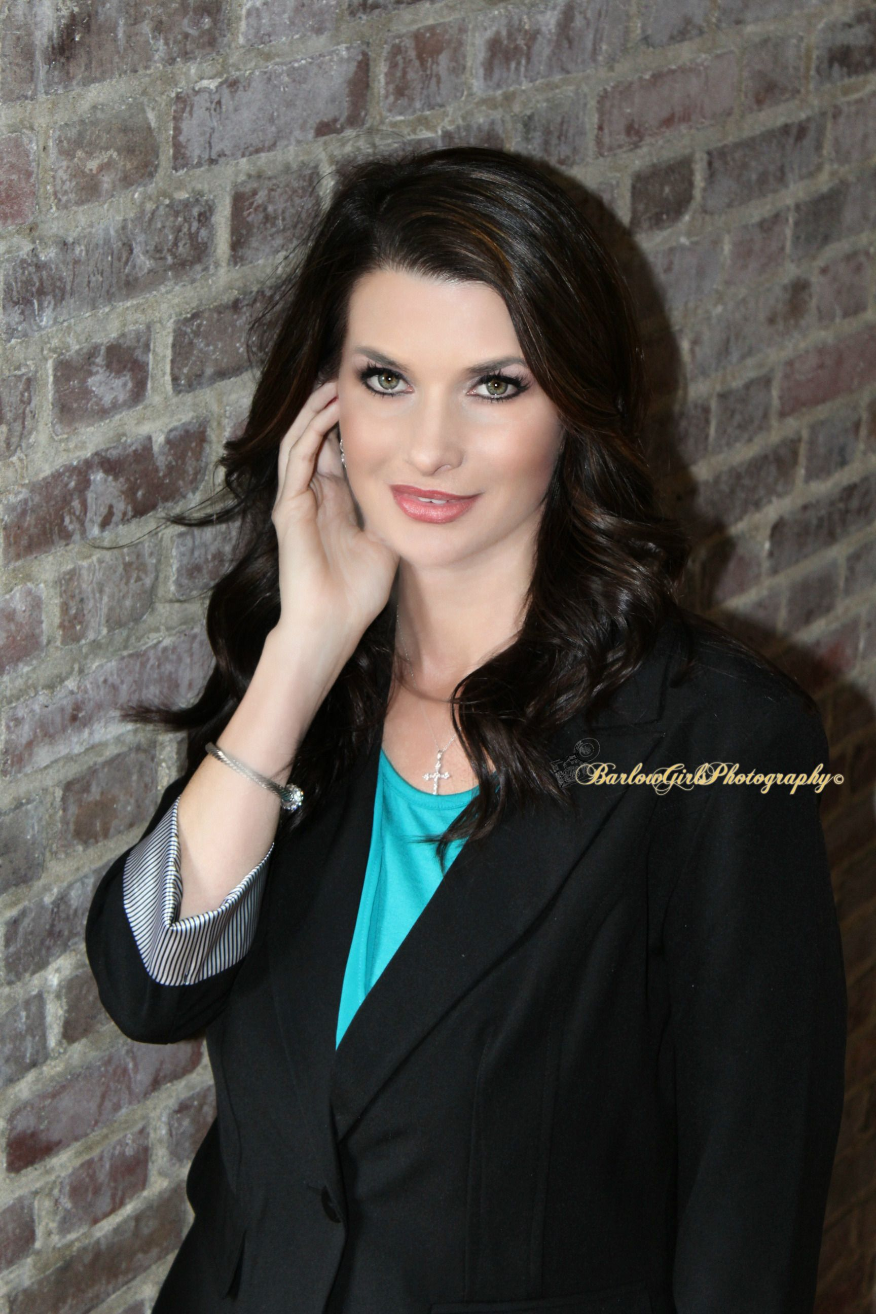 Barlow Girls Photography~ #Clarksville #Tennessee #fortcampbell #Kentucky #photographer #photography #poses #downtownclarksville #business #realtor #realestate #businesscards #apsu
