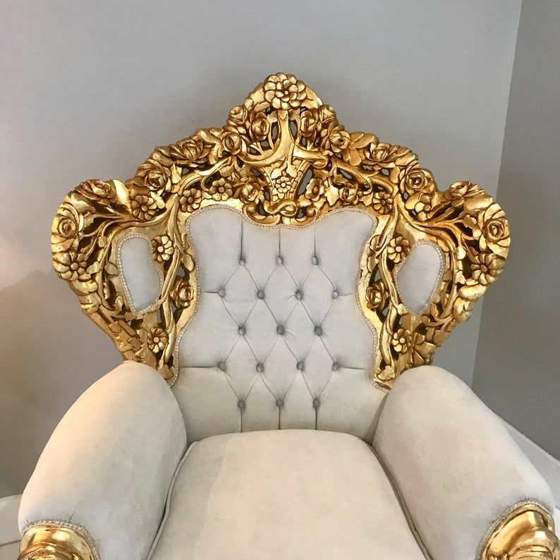 Chaise Du Trone Baroque Soldmd 2 Availablemd Rococo Tufted Etsy In 2020 Royal Chair Victorian Sofa Throne Chair