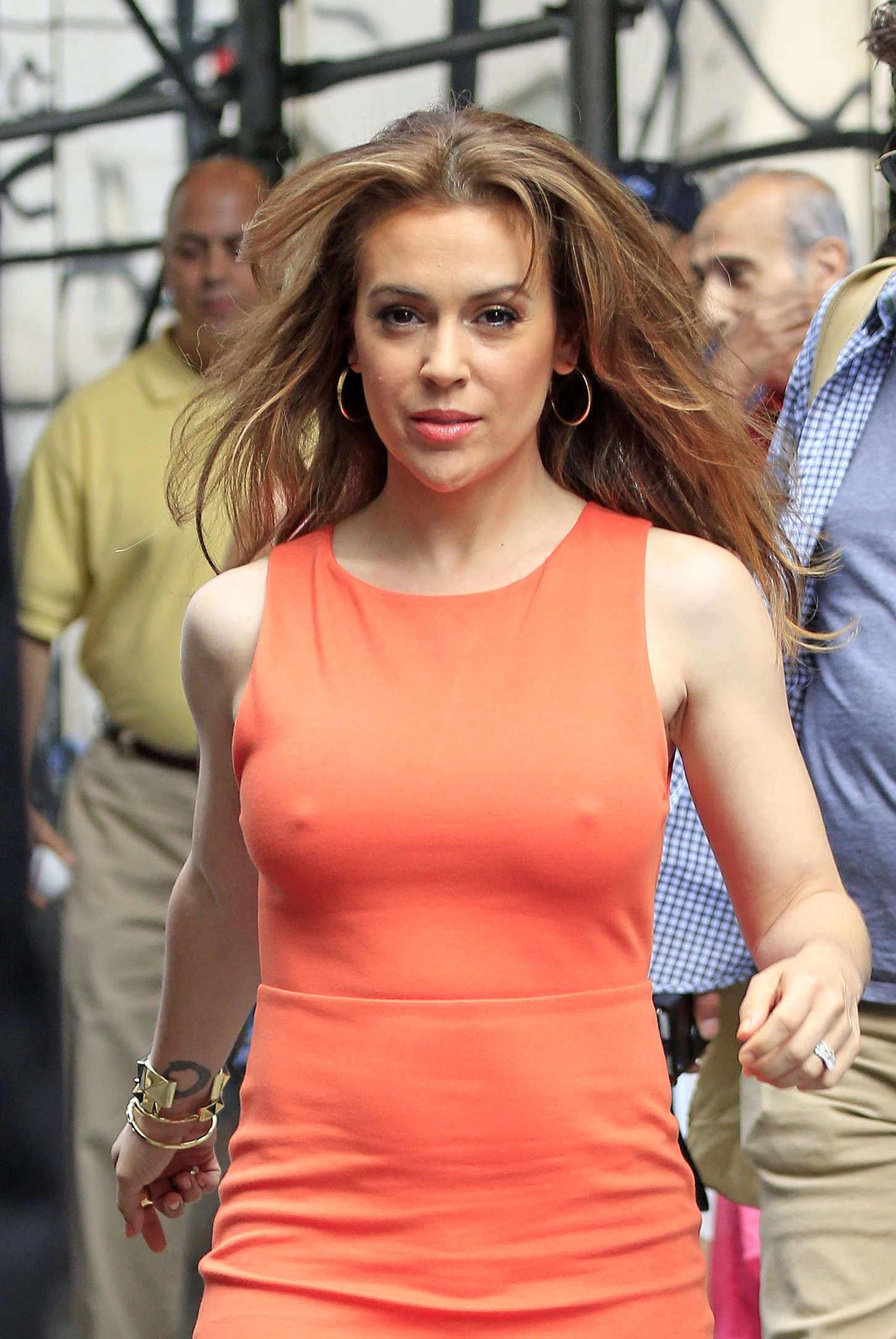 These are sexy Alyssa Milano photos and GIFs. Alyssa Milano is one of the hottest women in movies and on TV. Hot pics of Alyssa Milano's body near naked / nude in a bikini and more (or less. Alyssa Milano Hot, Alyssa Milano Charmed, Hollywood Actresses, Hot Actresses, Tight Dresses, Hottest Photos, Beautiful Actresses, New York City, Athletic Tank Tops