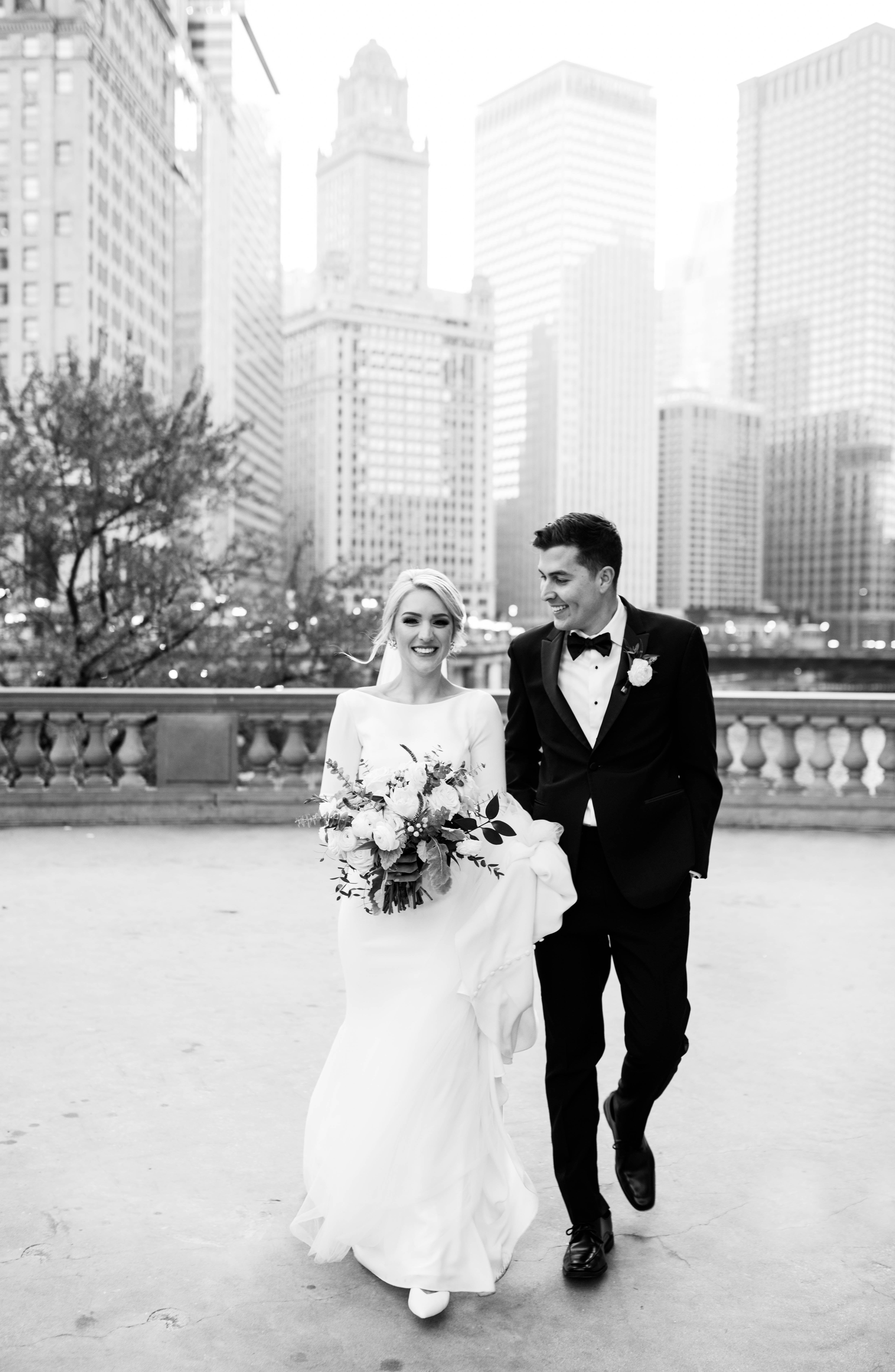 Timeless Downtown Chicago Wedding Chicago Illinois Niki Marie Photography In 2020 Chicago Wedding Winter Wedding Photos Kimpton Wedding