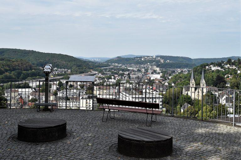Oberes Schloss Siegen Mit Siegerlandmuseum Verpottet In 2020 Schloss Ausflug Siegen