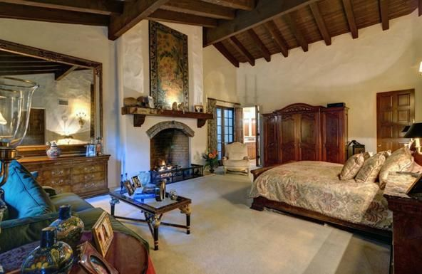 4 Extravagant Bedrooms Of The Rich And Famous
