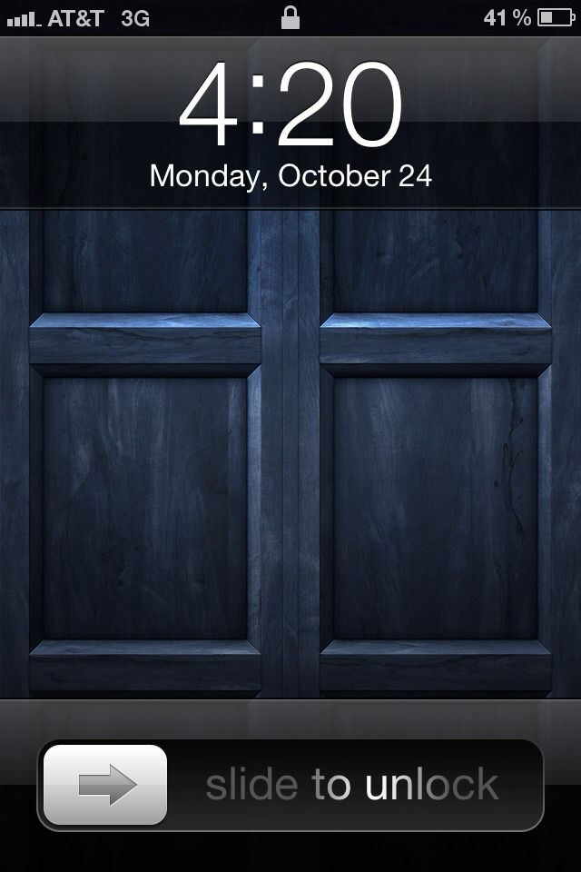 Slide To Unlock The Tardis Tardis Wallpaper Tardis Door Doctor Who Wallpaper