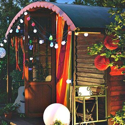 guirlande lumineuse jolie guinguette ampoules multi guinguette guirlande lumineuse et ampoule. Black Bedroom Furniture Sets. Home Design Ideas