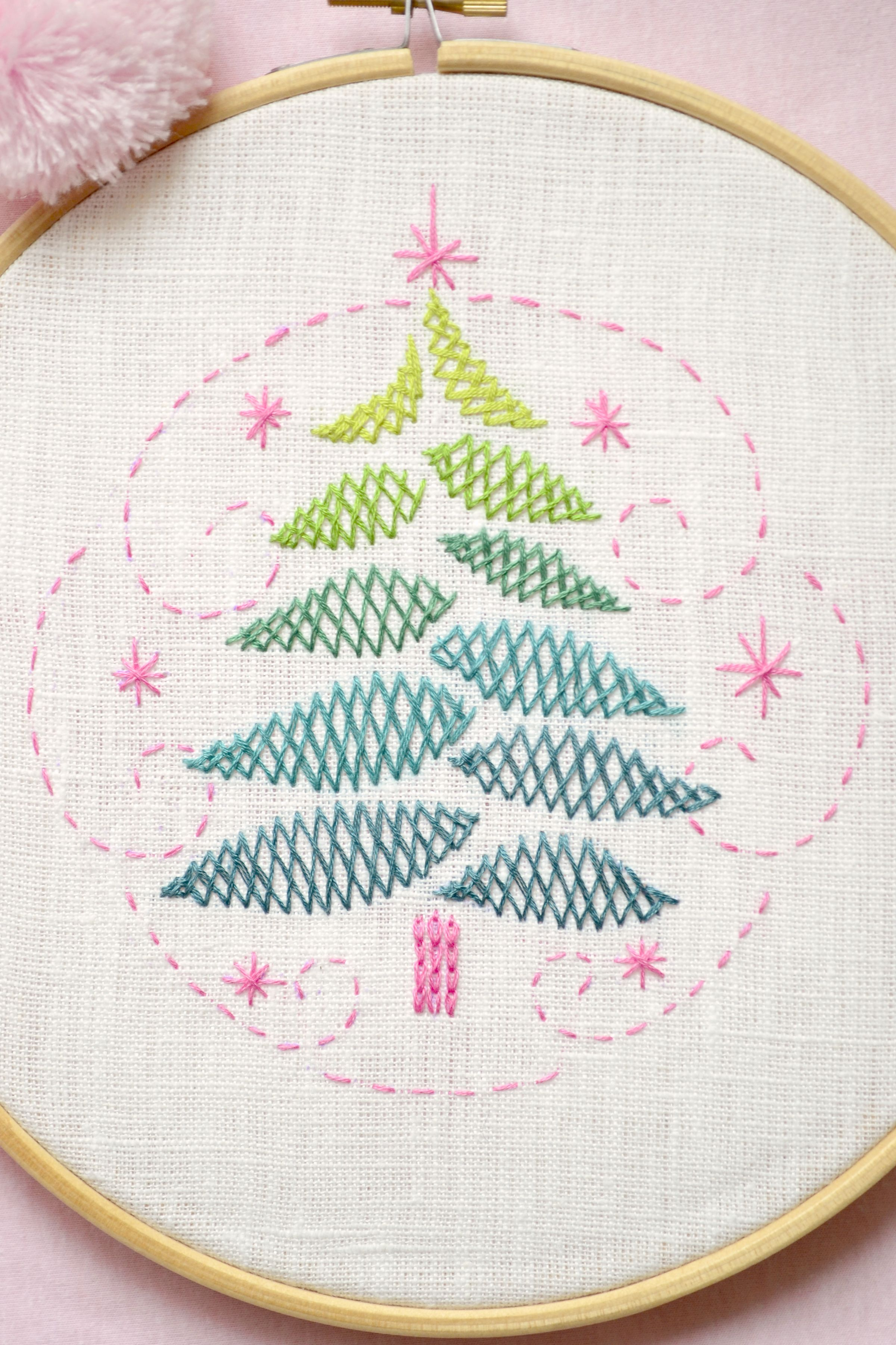 Applique Herringbone paper with their own hands. We make with children the volume application of the Fir-tree 7