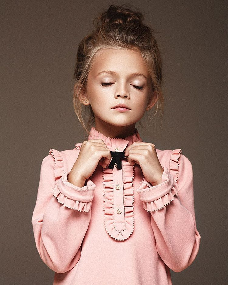a51107ff79 GUCCI KIDS Fashion Kids, Little Kid Fashion, Baby Girl Fashion, Gucci Baby  Clothes