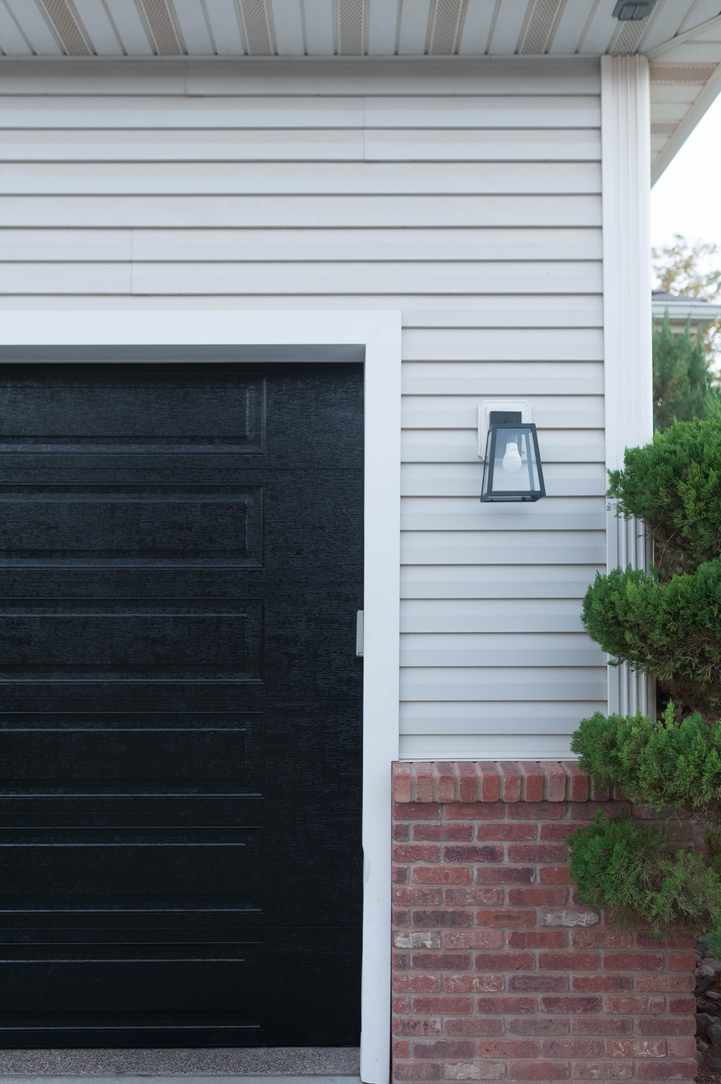 How To Paint Garage Doors With Turbo Spray Paint The Easy Way