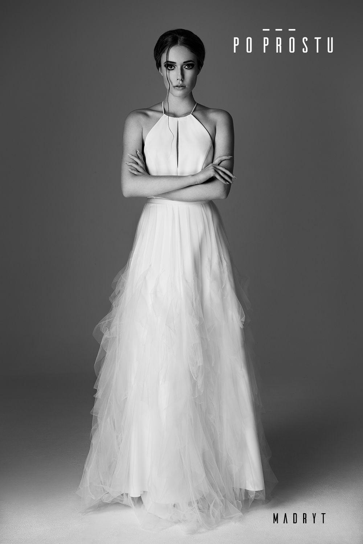 b81c5c3089607f Suknia Madryt. Simple wedding dress. Po Prostu suknie ślubne. #2018  #weddingdress #simpleweddingdress #weddinginspirations #bride #wedding  #love #fashion ...