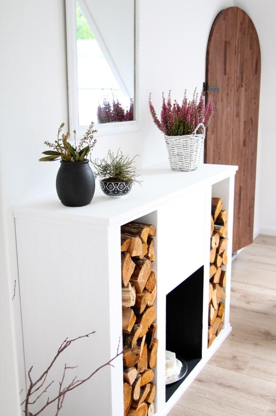 kaminumrandung kaminkonsole kamin pinterest kaminkonsole k nstlicher kamin und wohnzimmer. Black Bedroom Furniture Sets. Home Design Ideas