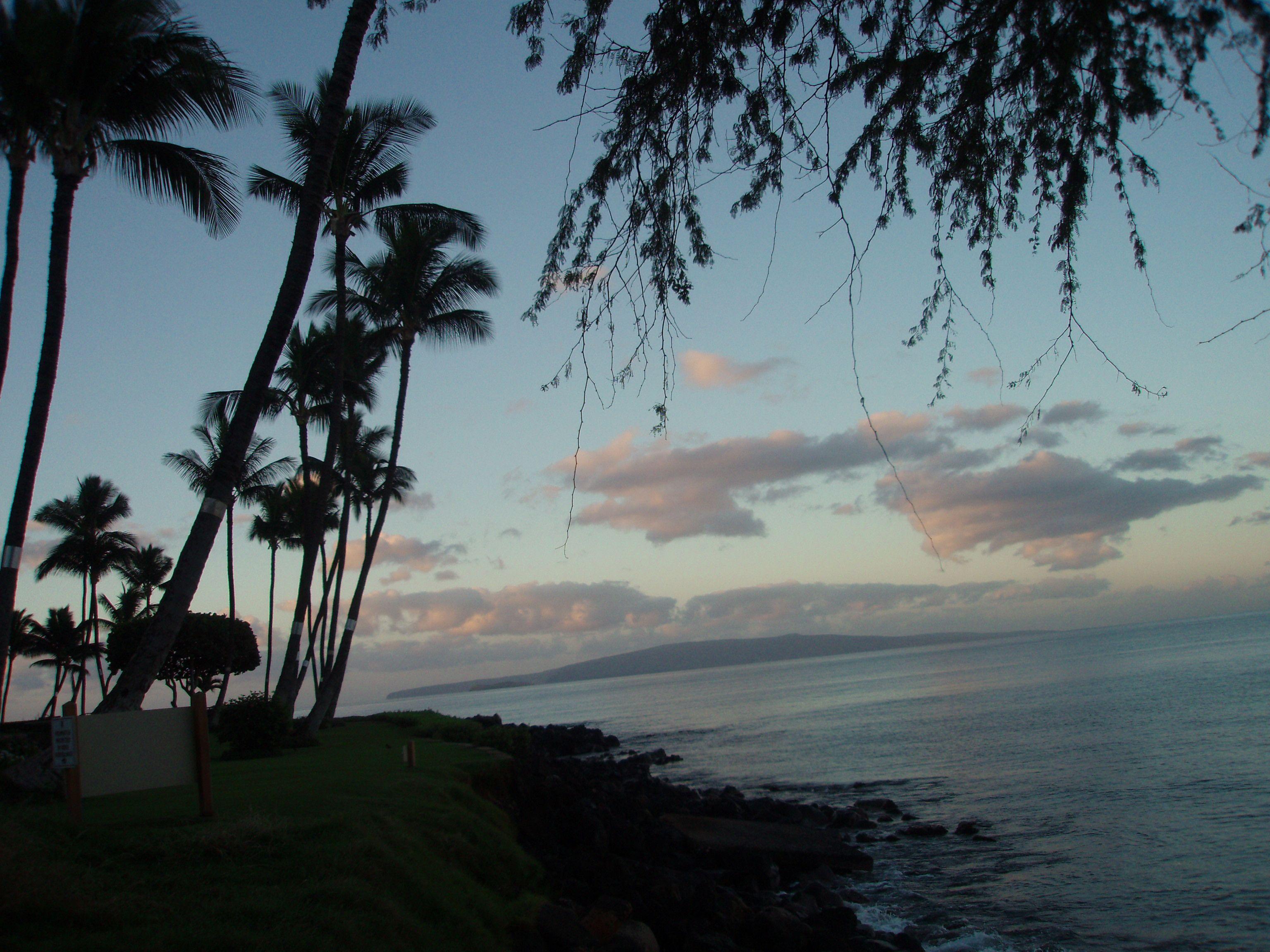 Sunset at Kamaole Park across from Worldmark, Kihei, Maui.  January 2007