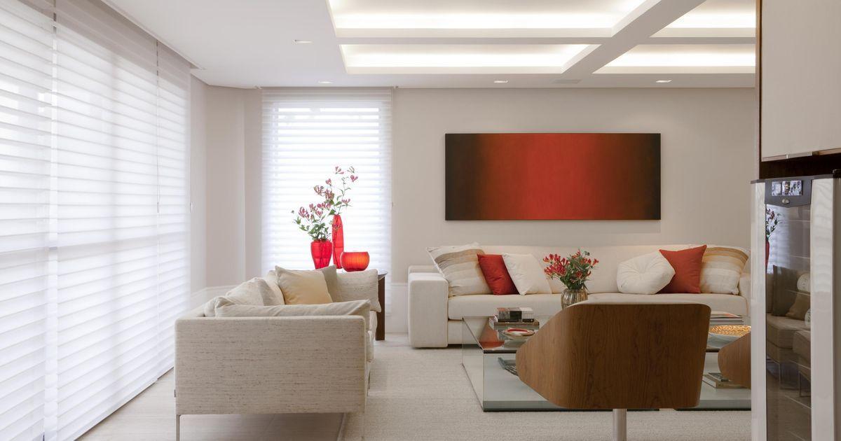 Sala de estar com persiana Branca