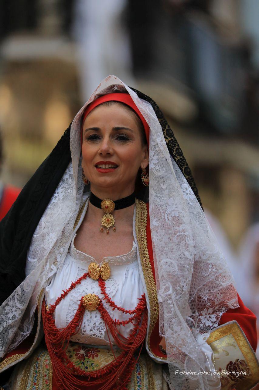 Sartiglia2017 - Il tradizionale costume da sposa di Oristano  3aabed0a8df