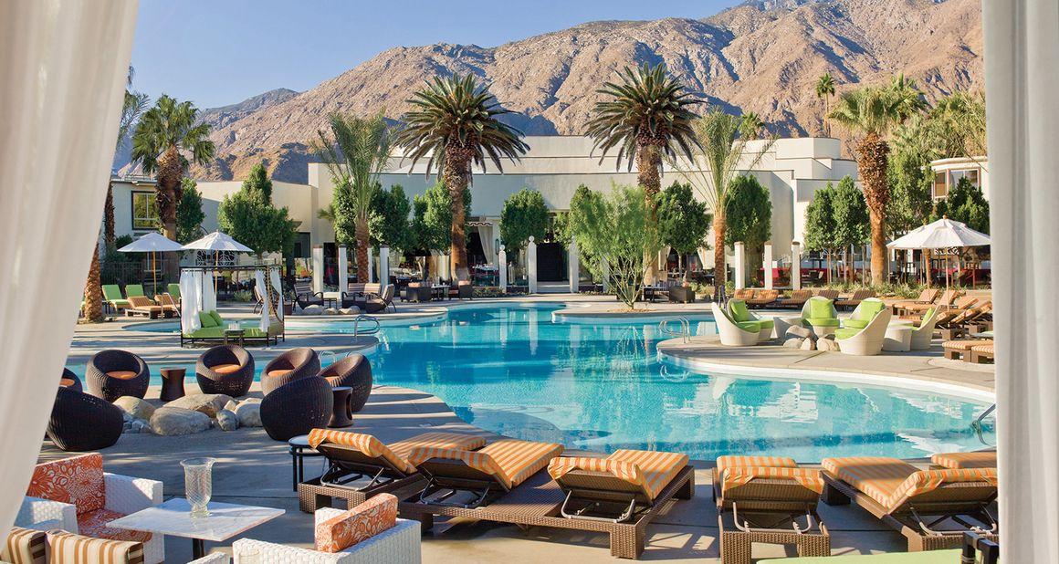 Palm Springs Hotels >> Lla Piscine De L Hotel Riviera A Palm Springs Travel