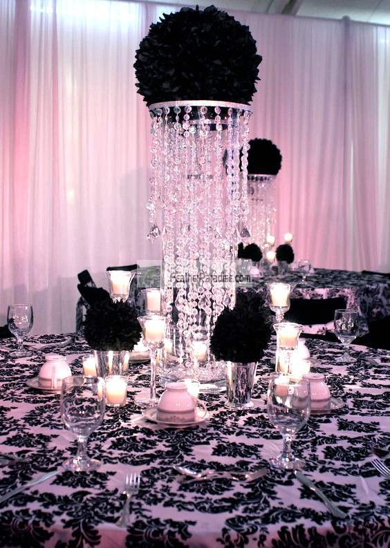 Large Feather Balls Are The New Hottest Wedding Decorations In The Usa Our Feather Wedding Centerpieces Flower Centerpieces Wedding Wedding Table Centerpieces