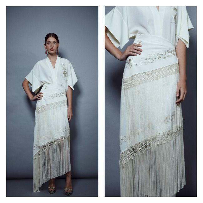 Mantón de Manila llevado en forma de falda