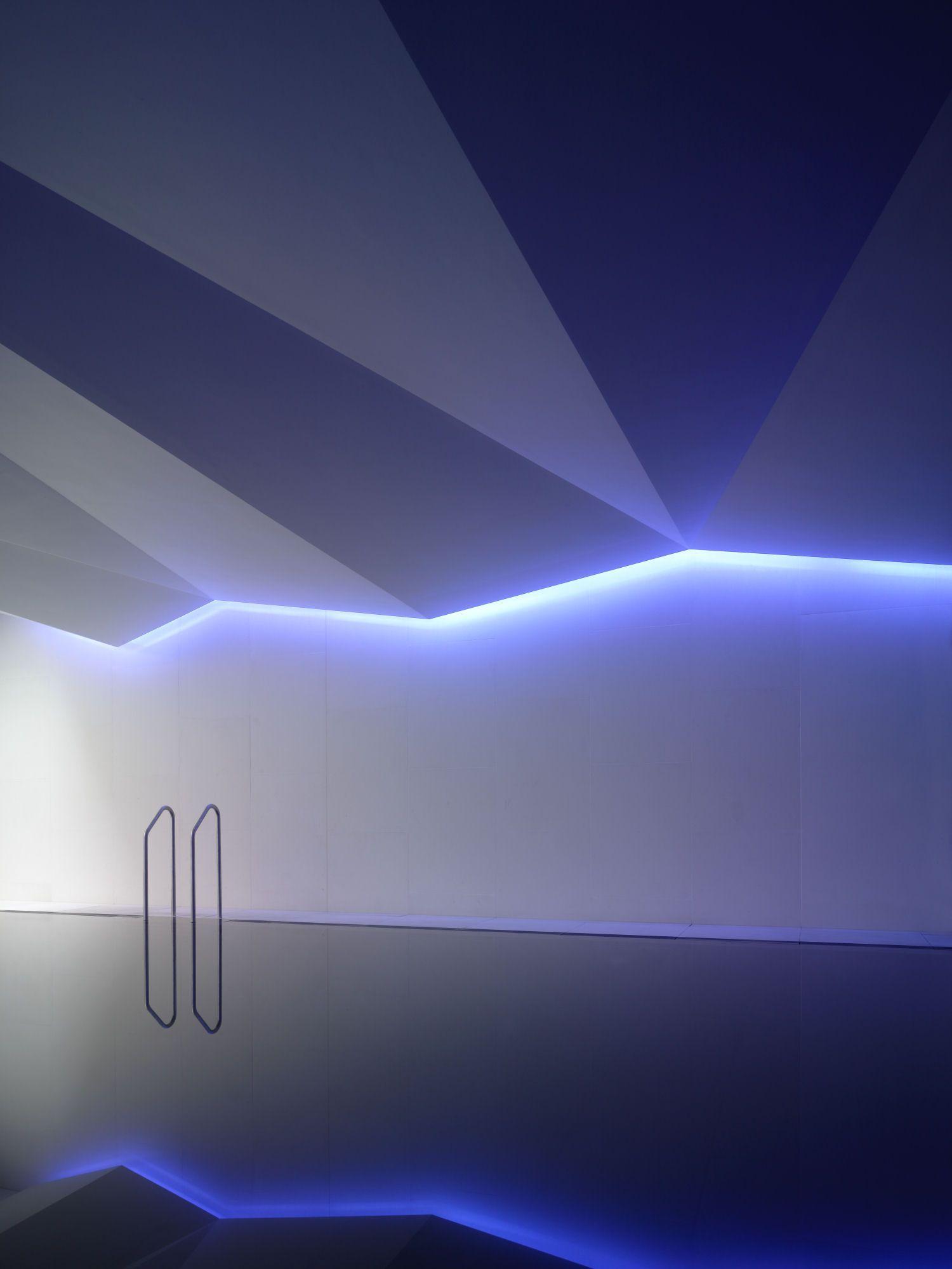 Spa Lighting By Lighting Design International Interieur Design Led Plafond Piscine Interieure