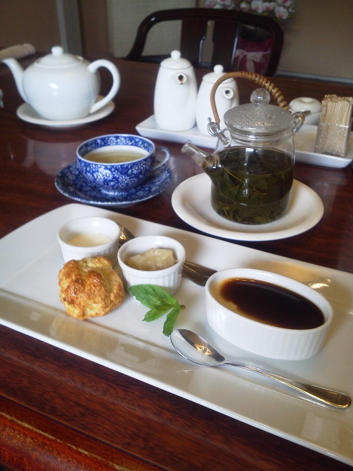 関越道・月夜野ICからほど近い「銀の月」。カツはもちろん、デザートお茶まで感動の味。
