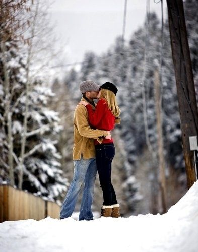 Winter love love couples kiss outdoors winter snow | Fun ...