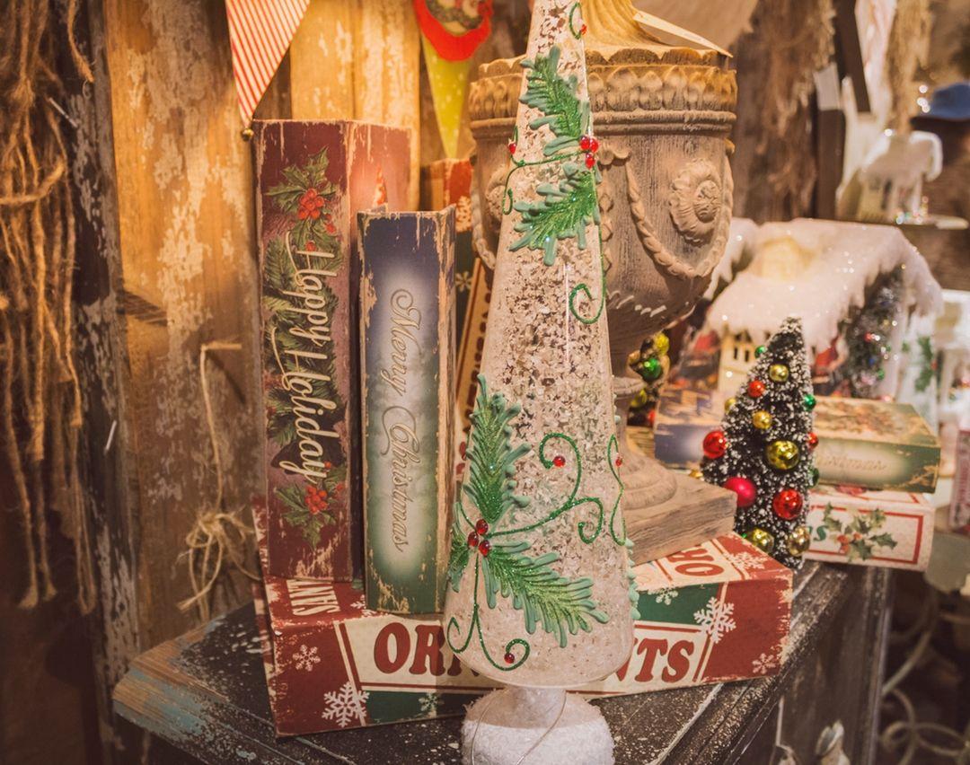 Read the Best Vintage Real Estate Information Articles #realestateinformation #vintage #antique #decor #decoration #tree #christmas #christmasscene #christmaslight #christmasmarket #santaclause #wallpaper #festive #christmaswallpaper #christmasbackground #christmastree #santum #merrychristmas #store #backdrop #rustic #tips #tricks #santaclause