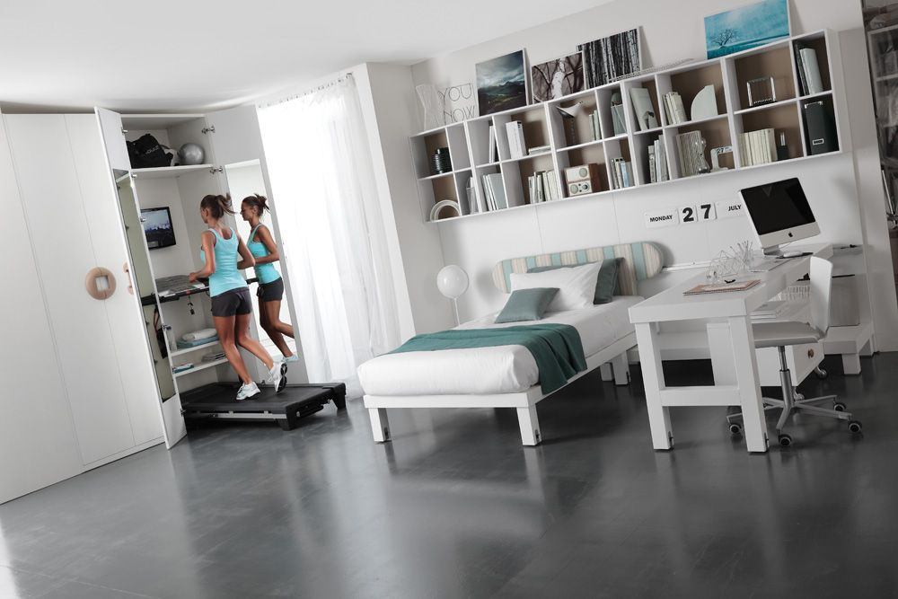 I love the set up of the treadmill what a nice idea if - Bedroom set up ideas ...