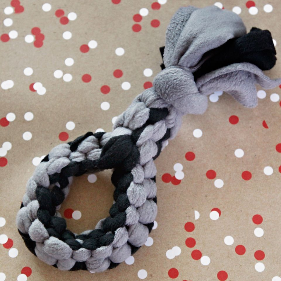 DIY For Dogs: Square Knot Fleece Loop Tug Toy