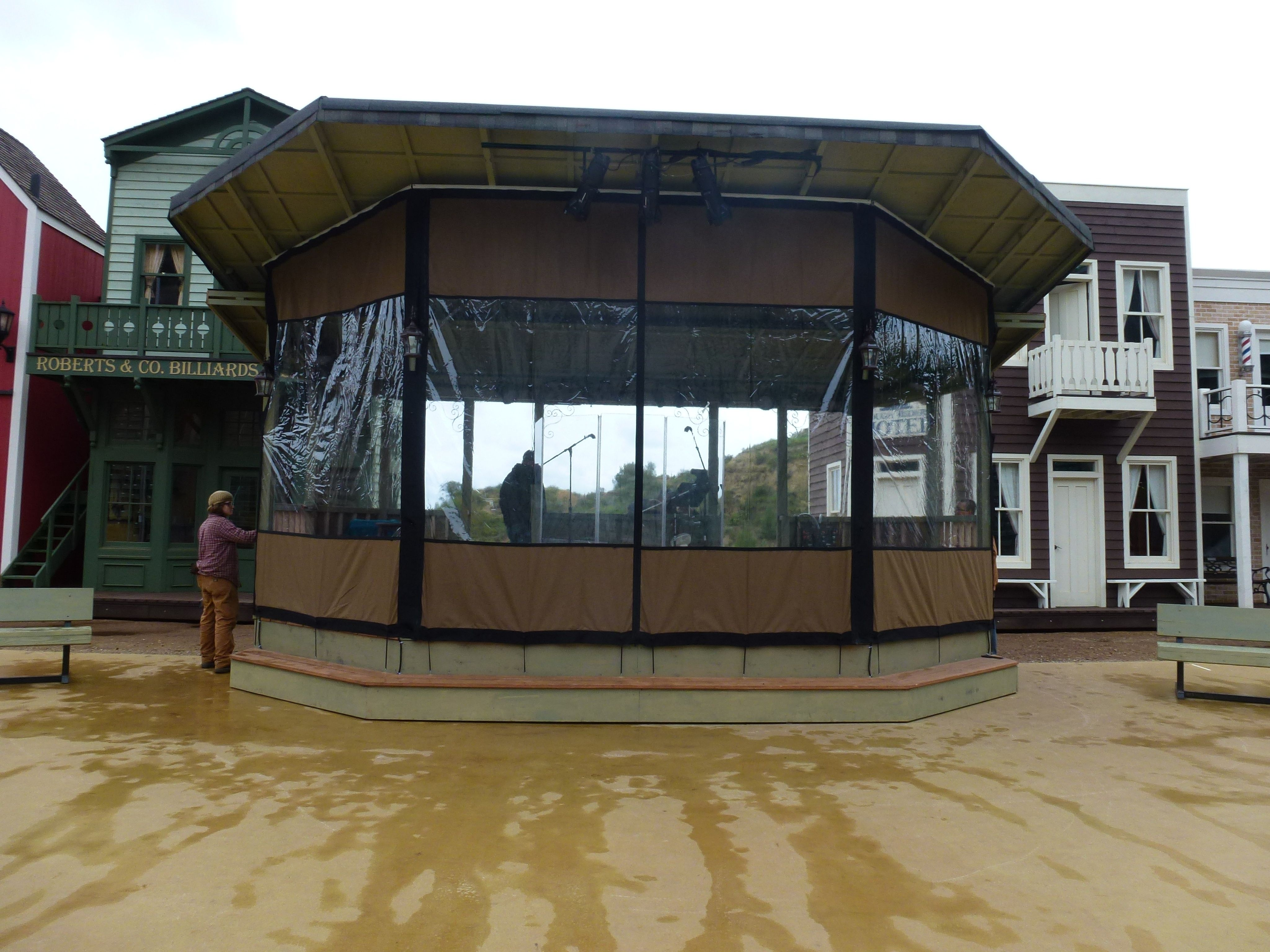 Custom Patio Enclosures from EnclosureGuy clear vinyl and