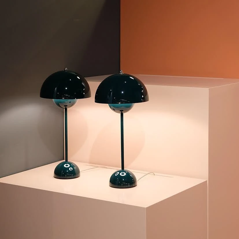 Flowerpot Table Lamp Replica
