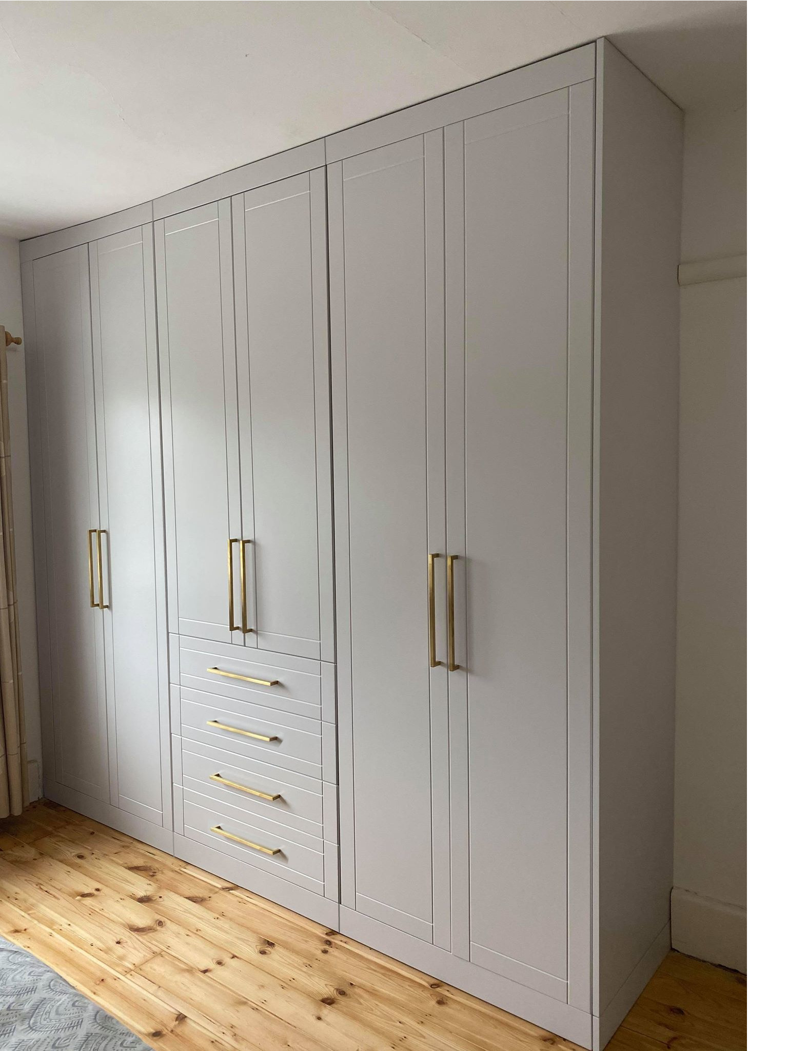 Ash Grey, Shaker-style Fitted Wardrobe