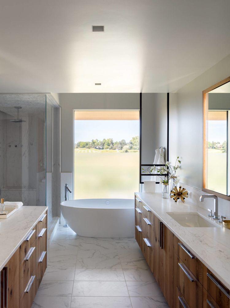 Badezimmer Fenster Freistehende Badewanne Badezimmerschränke Holz