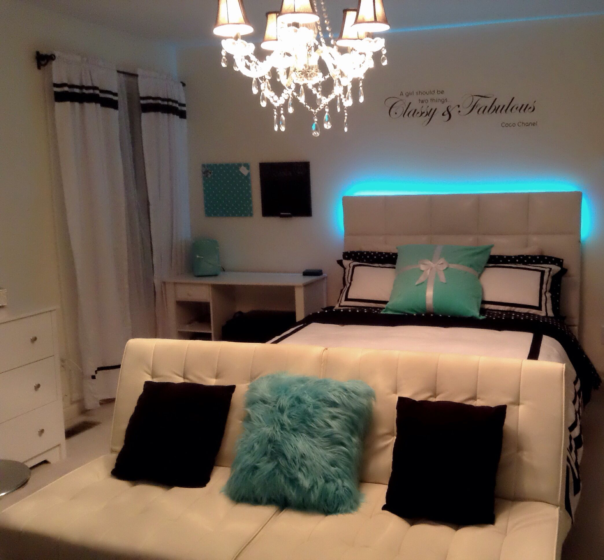 Cassie\'s new Tiffany inspired room at night. It is a very calm ...