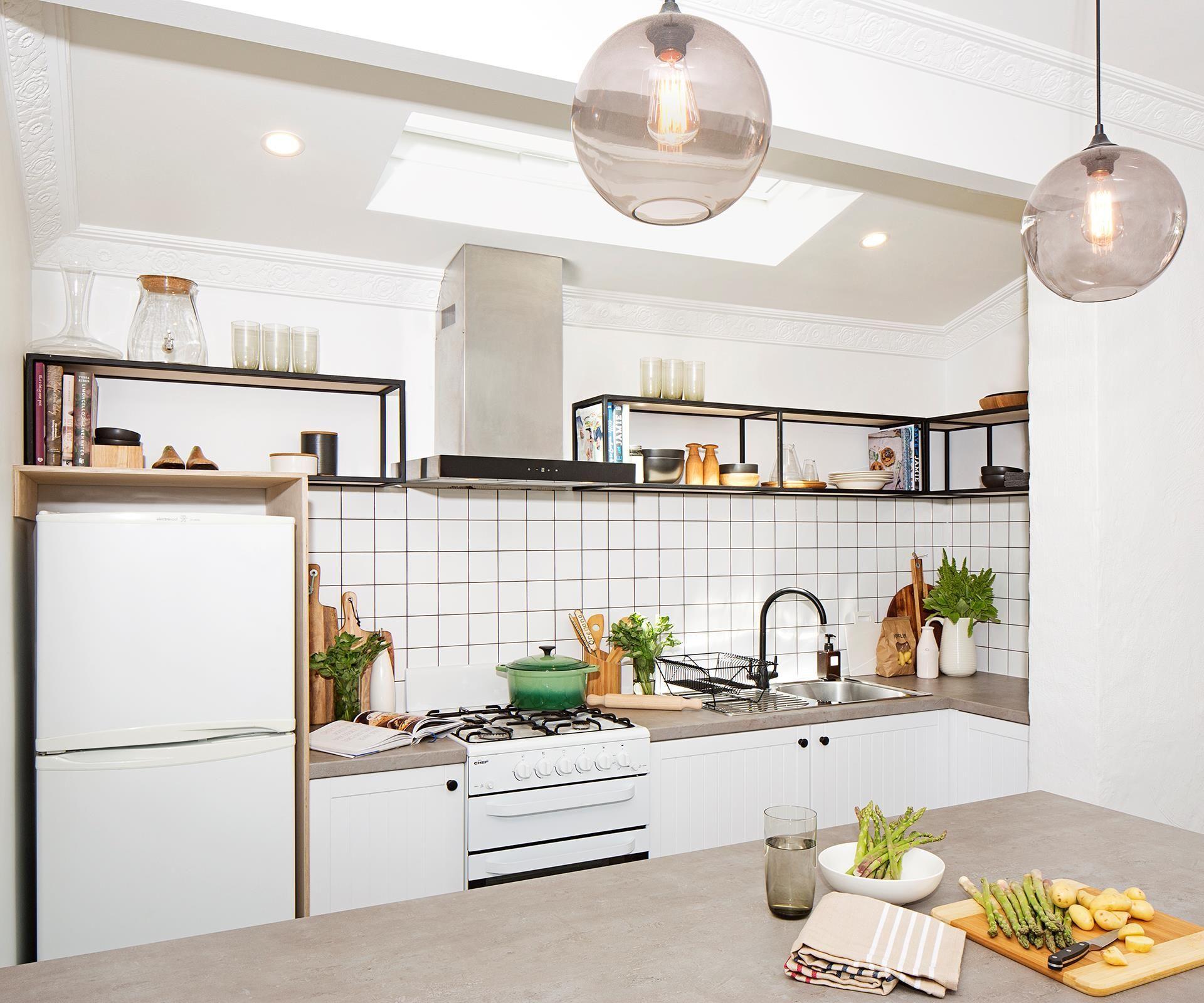 Groß Billige Landküche Umarbeitungen Fotos - Küchenschrank Ideen ...