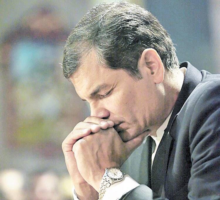 """""""La Revolución tiene rostro de mujer"""", afirma Presidente Correa"""