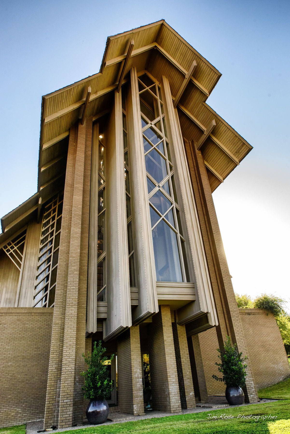 The Marty Leonard Chapel in Fort Worth is a great place to marry. E ...