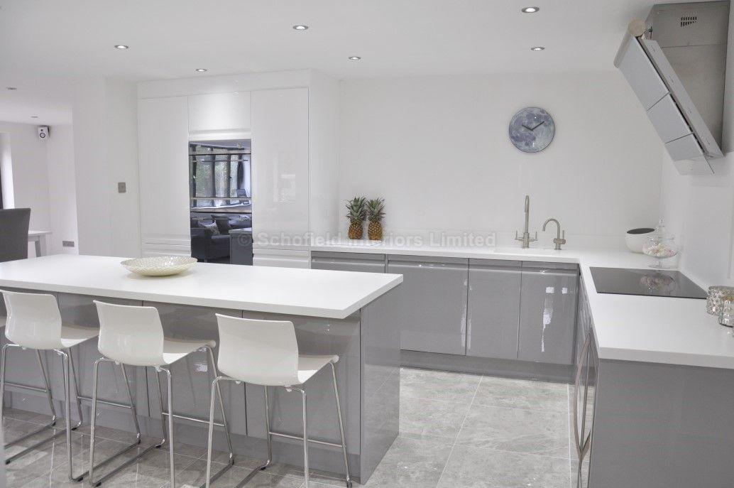 Viseu Handleless Grey White High Gloss Kitchen With Smeg Appliances Modern Grey Kitchen White Gloss Kitchen Grey Gloss Kitchen