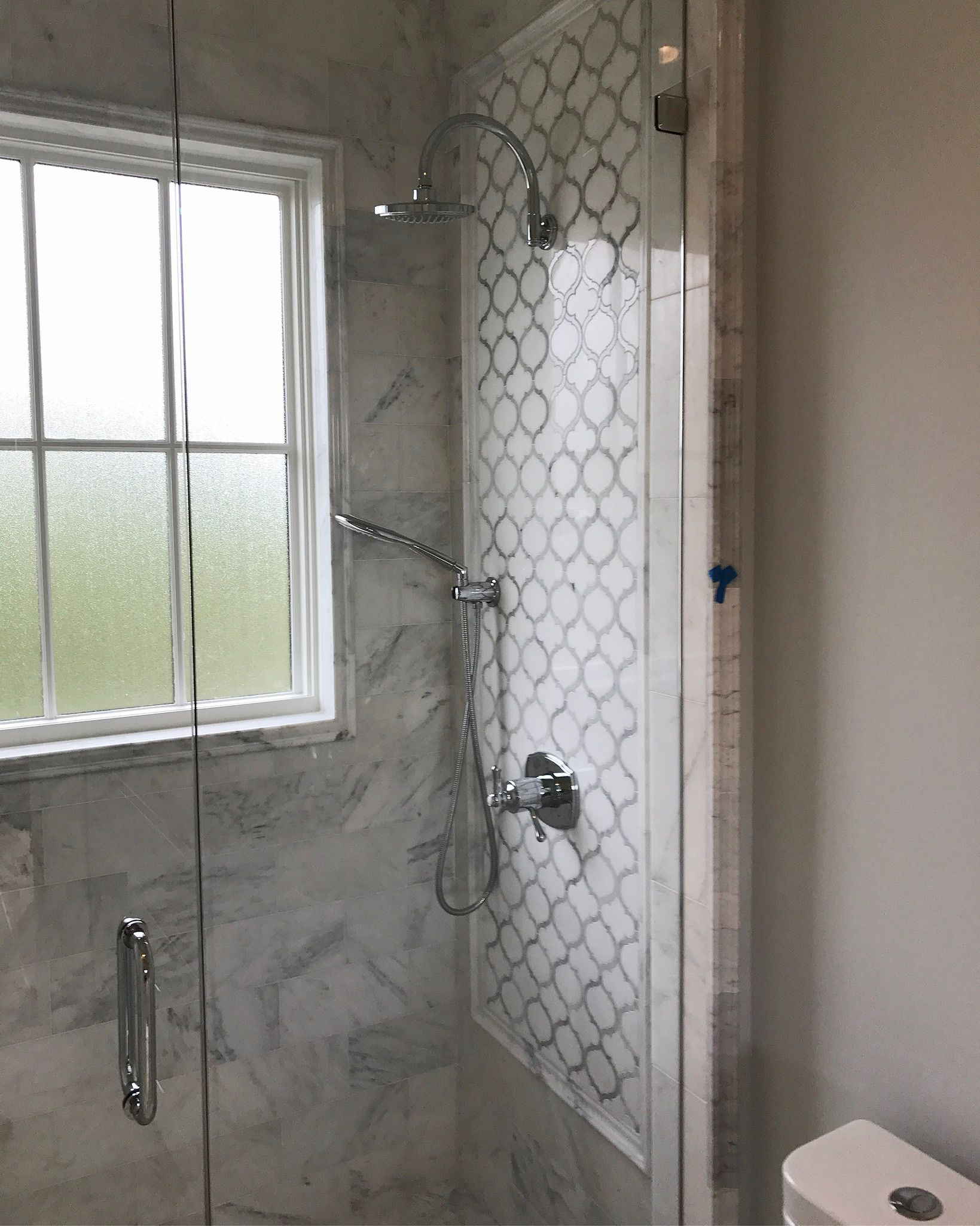 White Thassos And Bianco Carrara Marble Waterjet Mosaic Tile In Arabesque Marrakech Marble Shower Walls White Marble Bathrooms Arabesque Tile Bathroom
