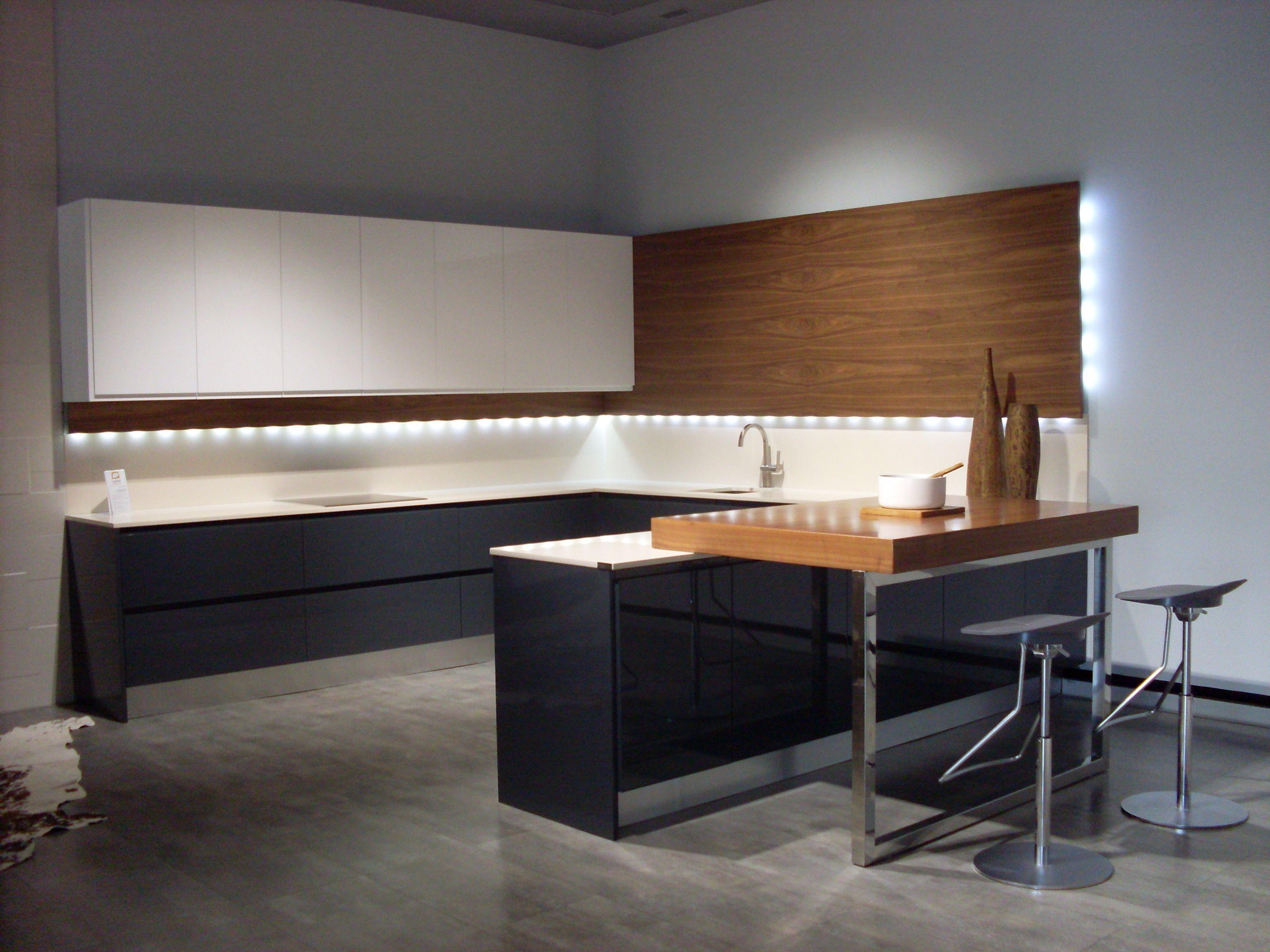 Quieres una cocina con estilo? Combina encimeras, muebles, alturas ...