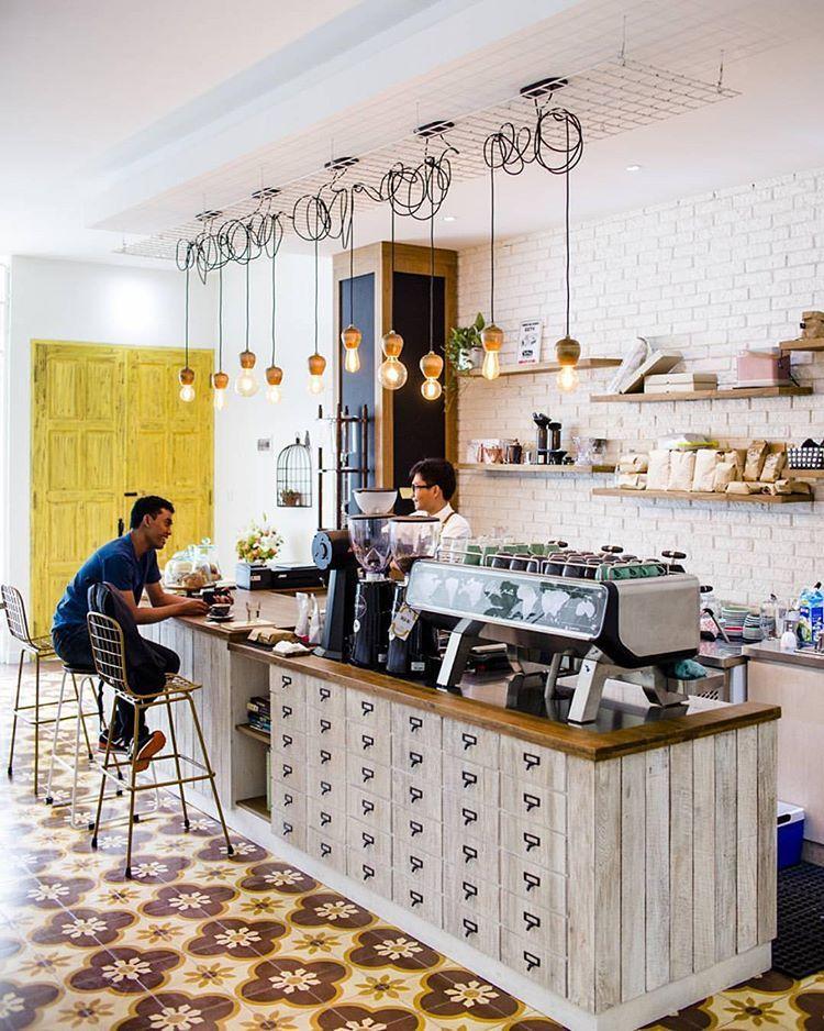 Instagram 上的 ACME & CO:「 Espresso bar at pigeonholecoffee
