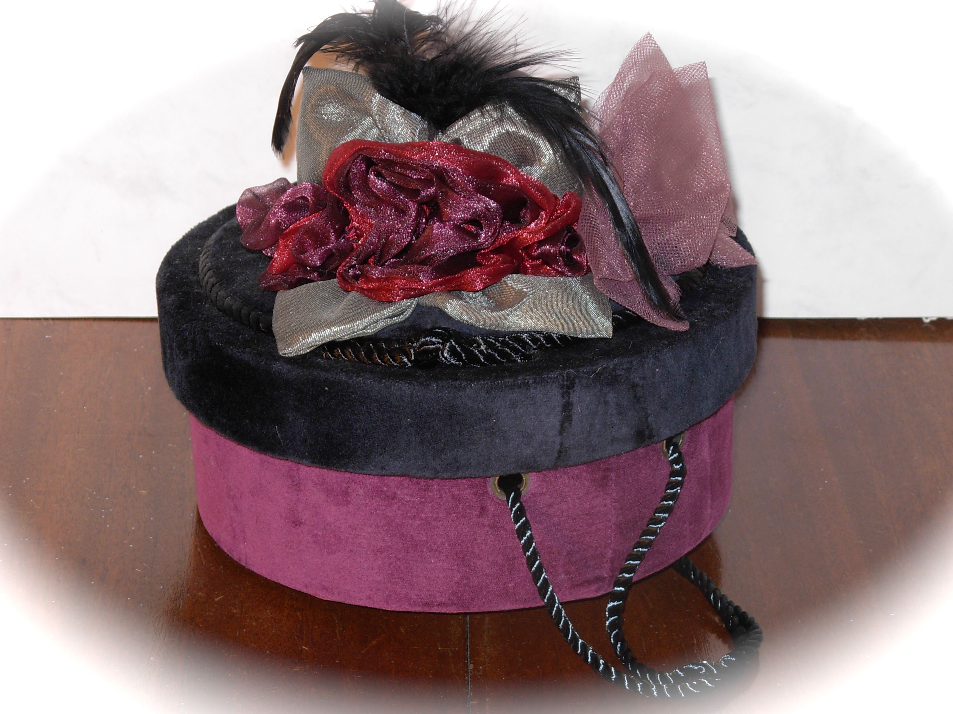 Teaberry Hat Box