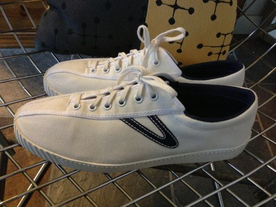 SOLD! Tretorn shoes white canvas with navy blue US women's