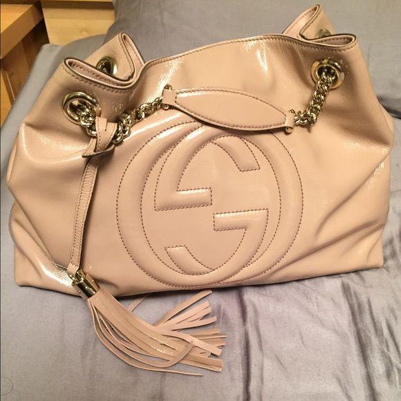 7076c9a98 Gucci Soho patent leather shoulder bag Pale Pink Authentic Gucci patent  medium soho chain shoulder bag