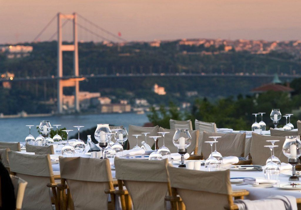Best Restaurants In Istanbul With View 2021 Istanbul Clues In 2021 Istanbul Restaurants Turkish Restaurant Istanbul