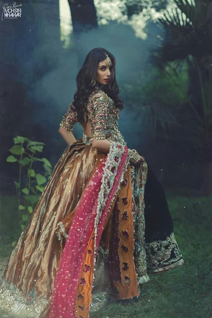 Pin de Nida Shaikh en Desi | Pinterest | Ropa medieval, Moda india y ...