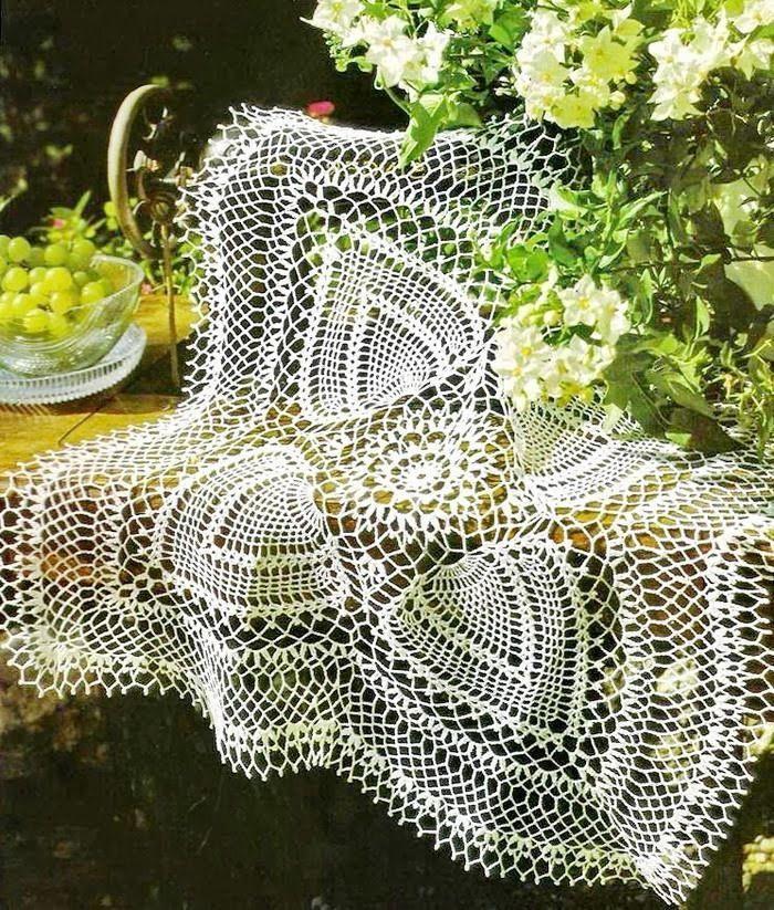 Crochet Tablecloth Pattern - fabulous Square Tablecloth (Crochet Art ...