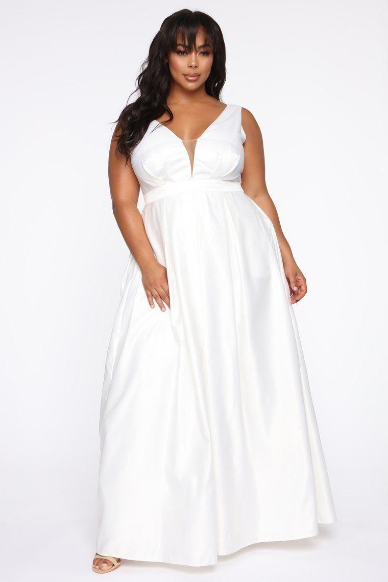 Plus Size Wedding Dresses With Sleeves Plussizebeachweddingdresses Plus Size Gowns Formal White Dress Formal Classy Dress Outfits [ 1140 x 760 Pixel ]