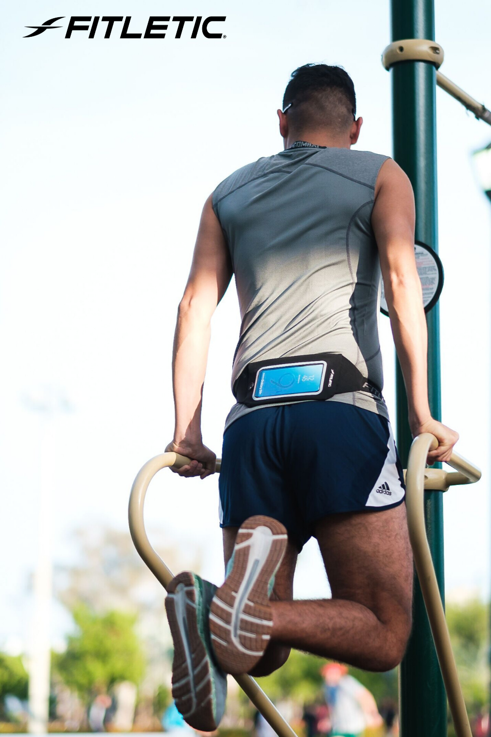 Whether you're boarding a plane or going for a run, this belt has all you need to stay connected and...