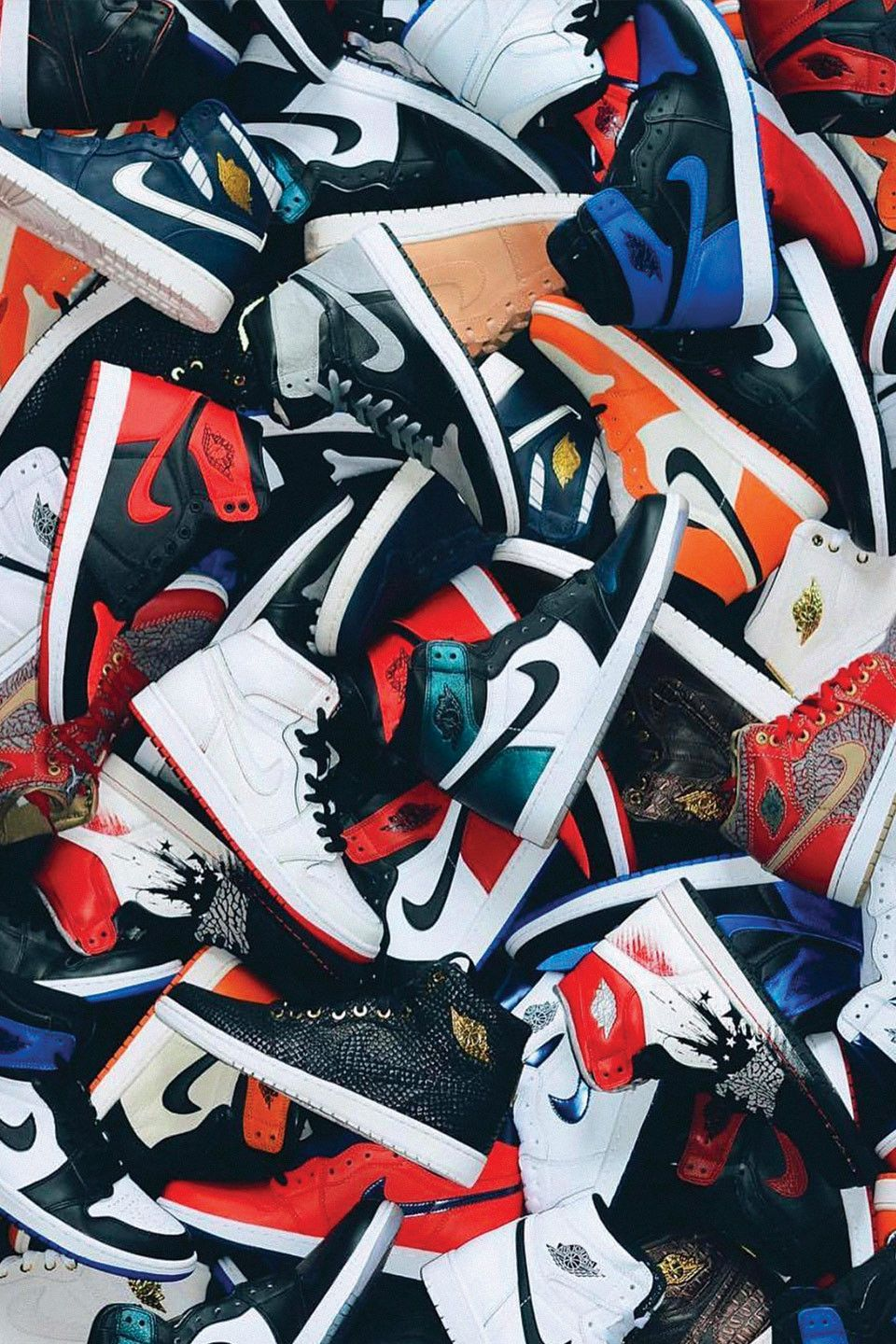 How The Nike Air Jordan 1 Became Streetwear S Definitive Sneaker Sneakers Wallpaper Nike Wallpaper Jordan Shoes Wallpaper