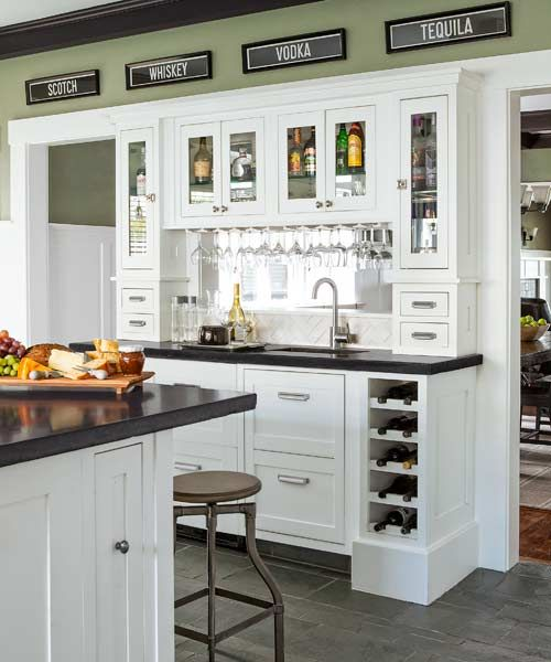 Built Ins That Make Entertaining Easier Home Kitchens Kitchen Remodel Bars For Home