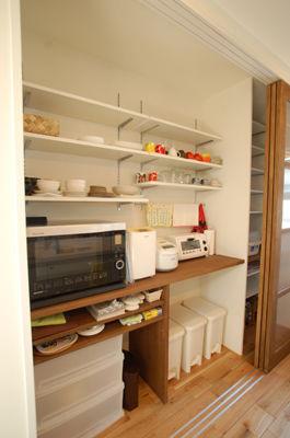 おしゃれ キッチン背面収納実例 参考レイアウト集 Naver まとめ Open Shelving Kitchen Cabinets Muji Home Kitchen Pantry